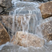 disappearing waterfall display Lattingtown, NY 11560